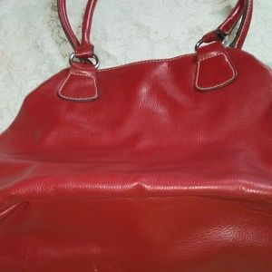 Handbags - Nice medium size purse
